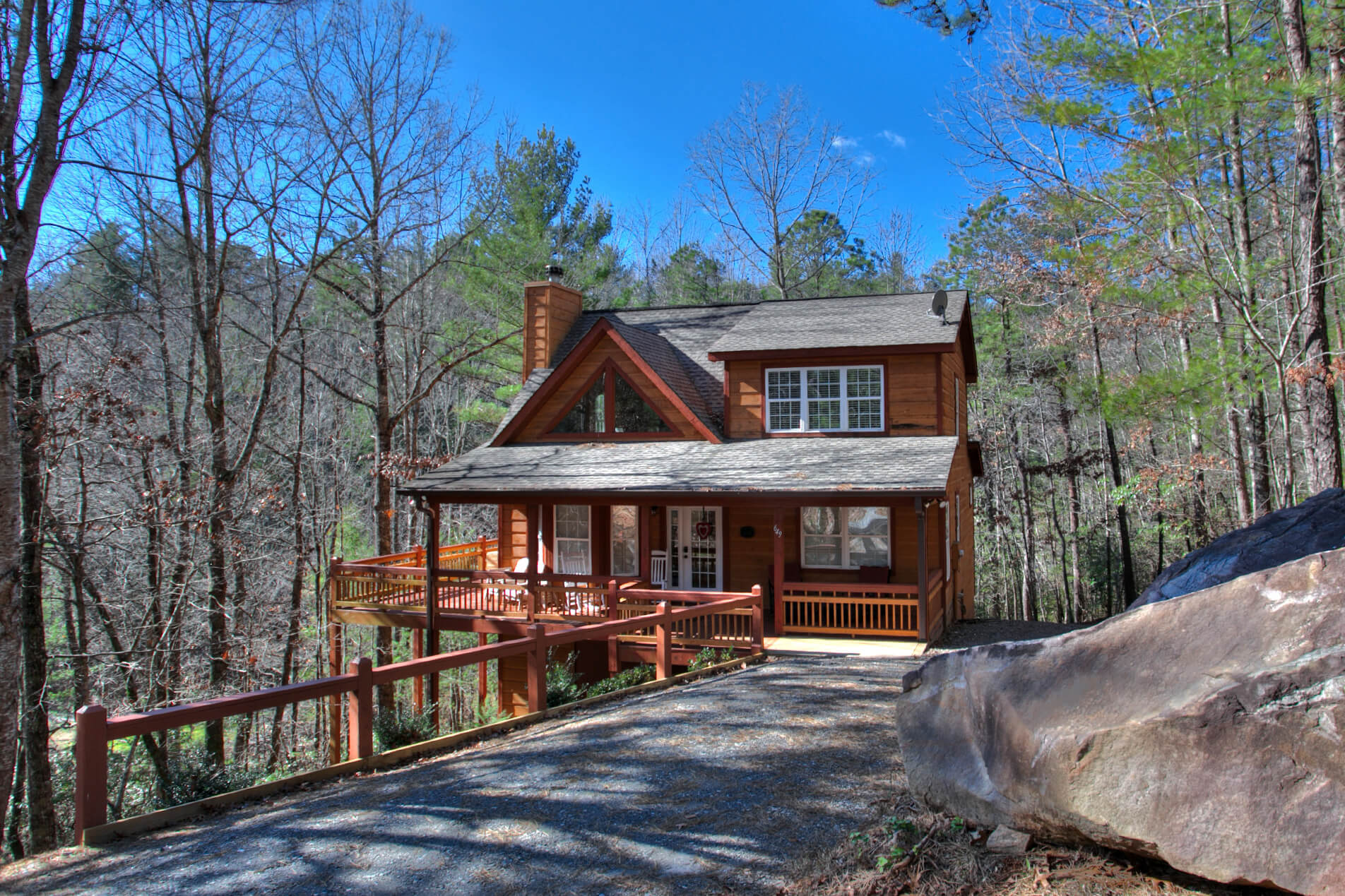 Remarkable Lazy Bear Lodge Helen Ga Lazy Bear Lair Home Interior And Landscaping Transignezvosmurscom