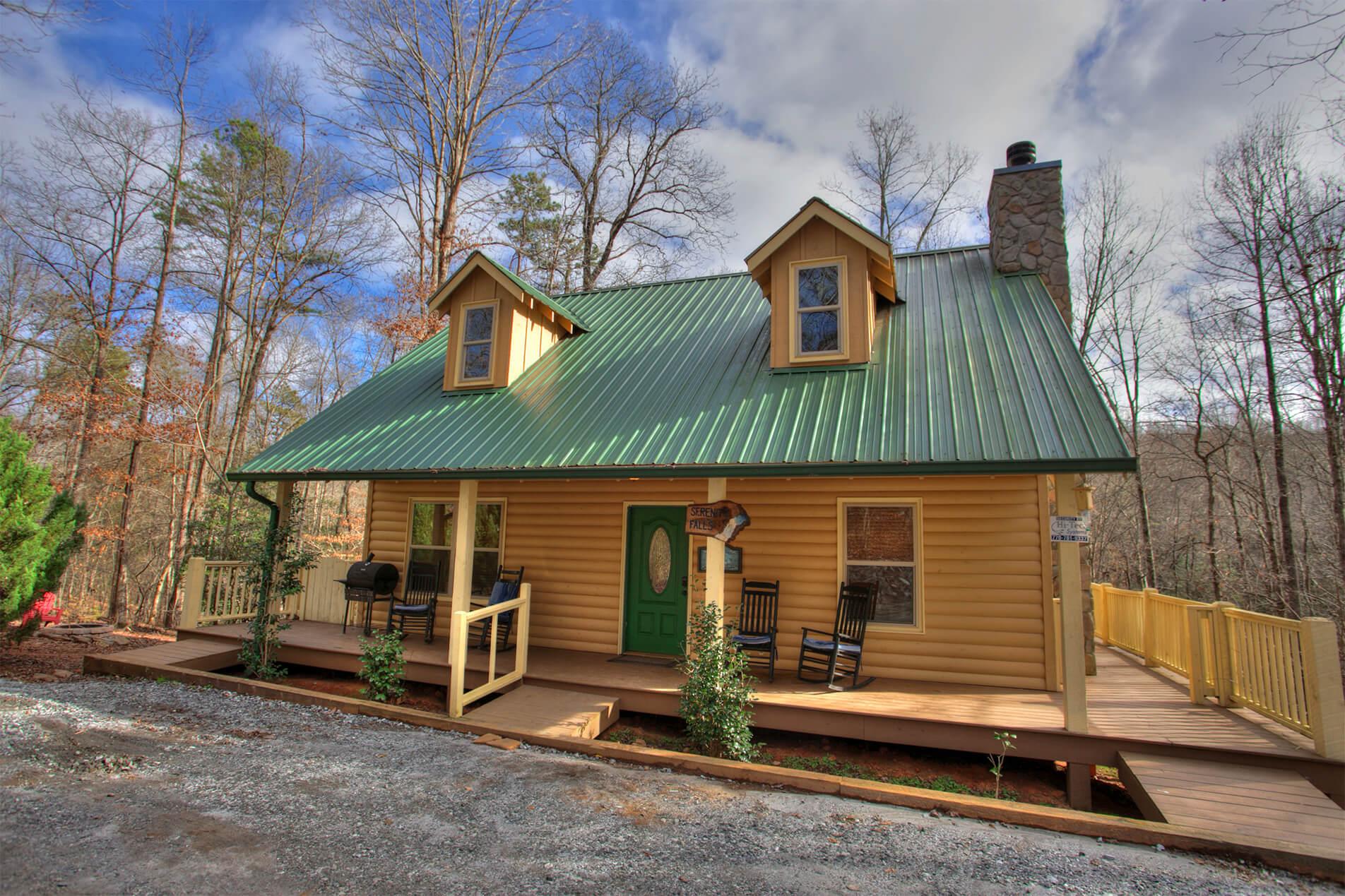 peaceful cabin serenity falls in helen ga