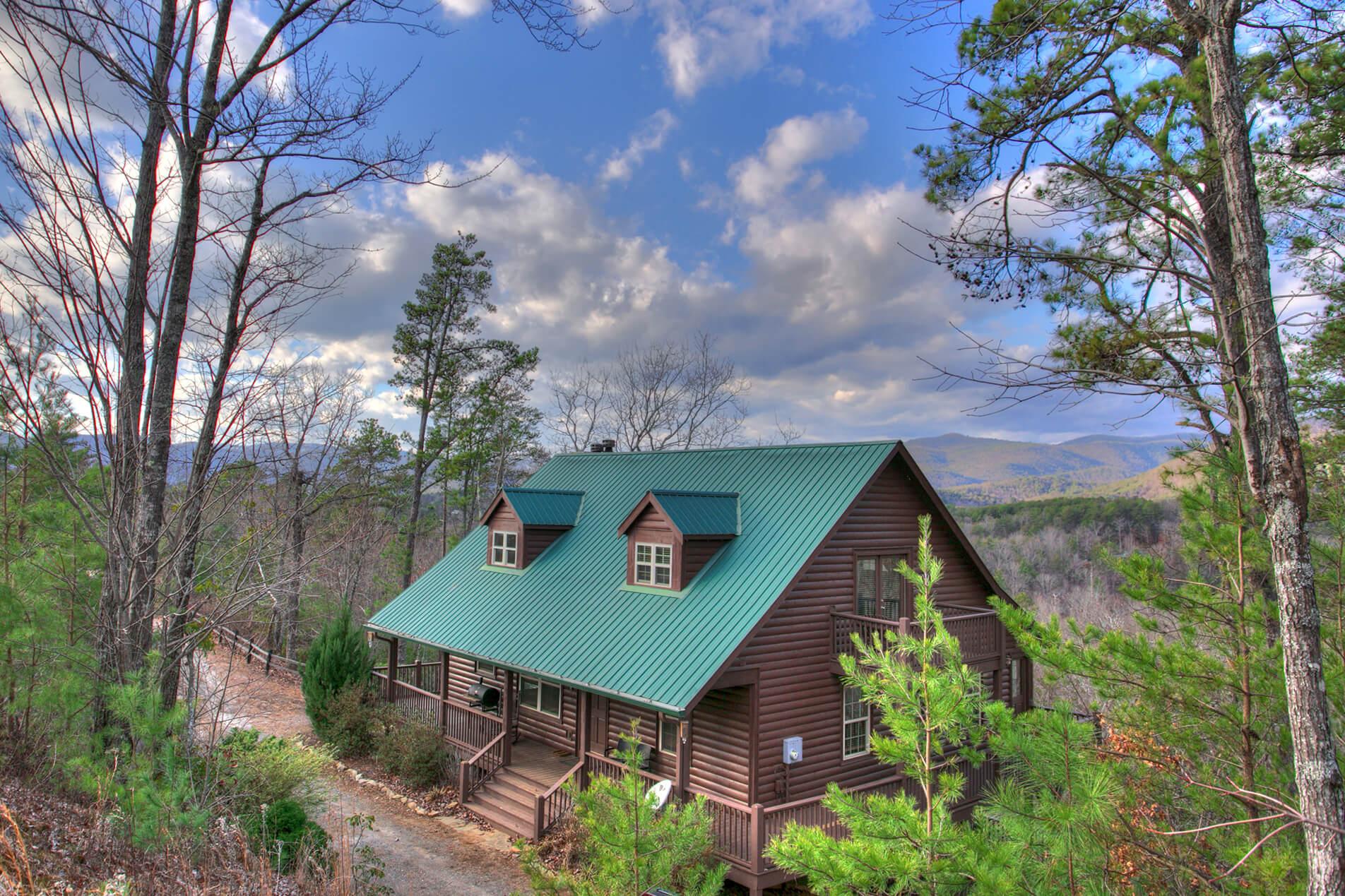 Family cabin rental summit in helen ga for Rental cabins in ga