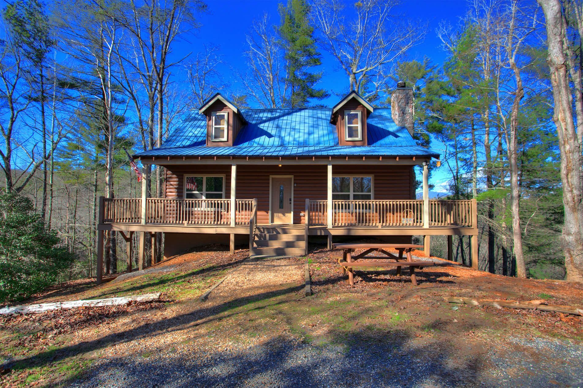 Whispering-Waters-Cedar-Creek-Cabin-Rentals-Helen-Georgia-top-banner-1