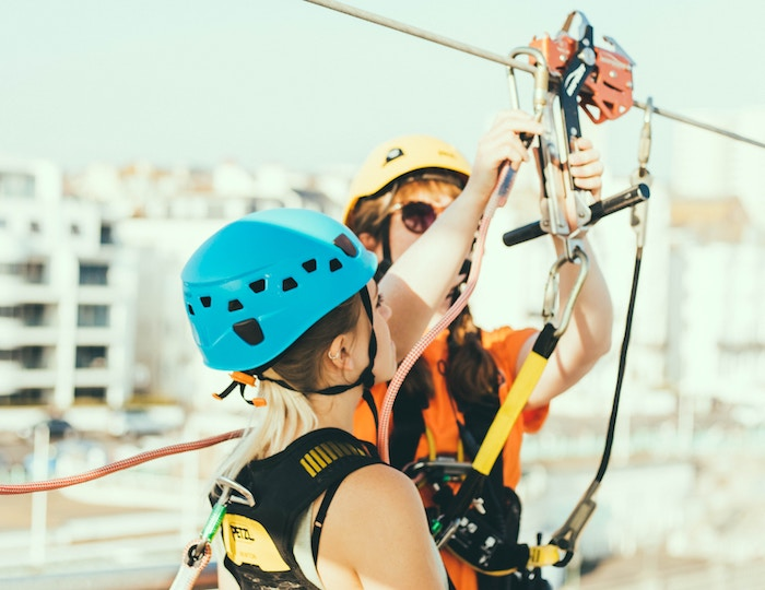 Zipline-safety_joseph-pearson-378310-unsplash